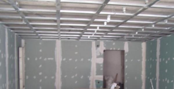 как укрепить перегородку высотой не до потолка как