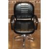 Cрочно продам 2 зеркала и 2 кресла для парикмахеров